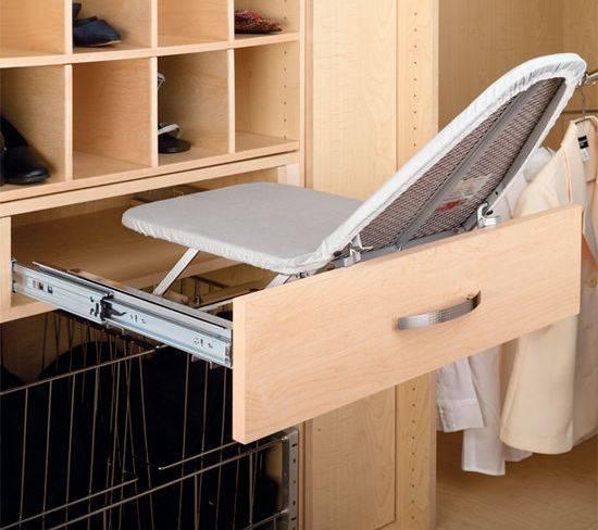 Гладильная доска, встроенная в шкаф: выдвижная, откидная, складная