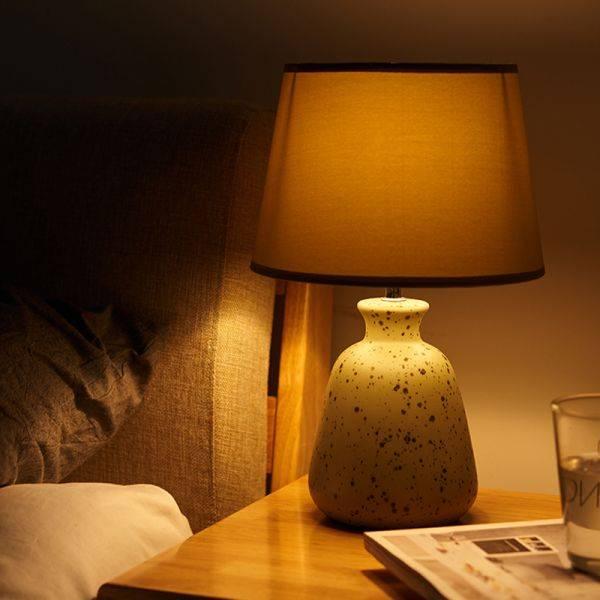Освещение в спальне [47 фото] идей с люстрами, бра, ночниками, потолочными настенными светильниками, подсветка спальной комнаты
