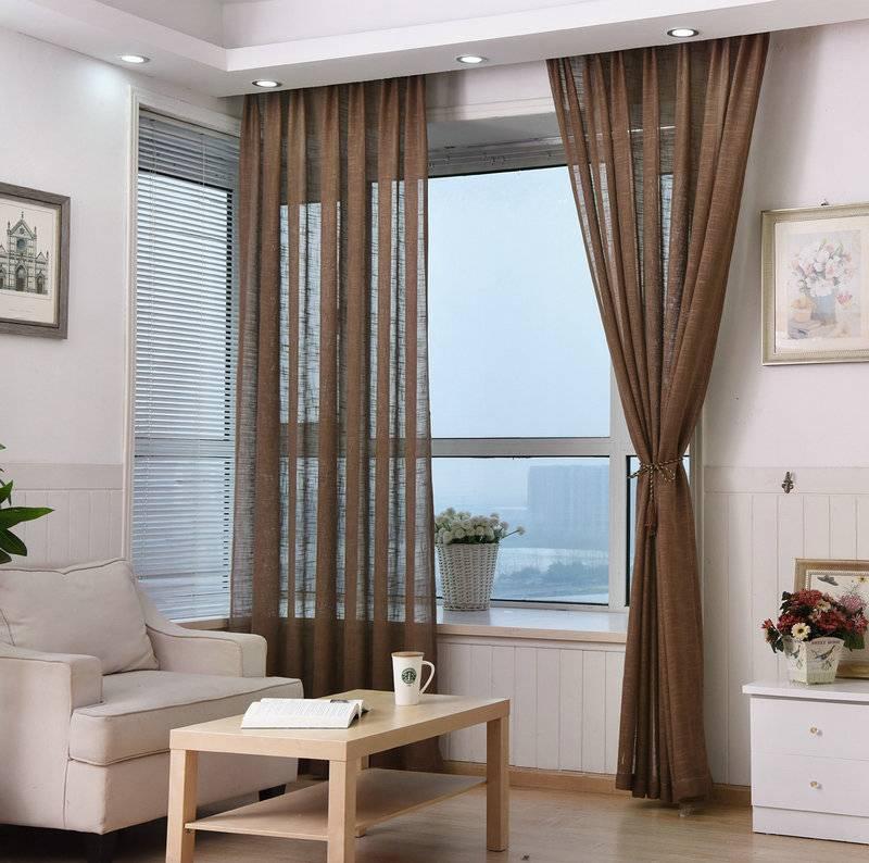 Портьеры для гостиной (60 фото): модный дизайн 2021 года, стильные и современные в интерьере зала, двойные и легкие, с ламбрекеном