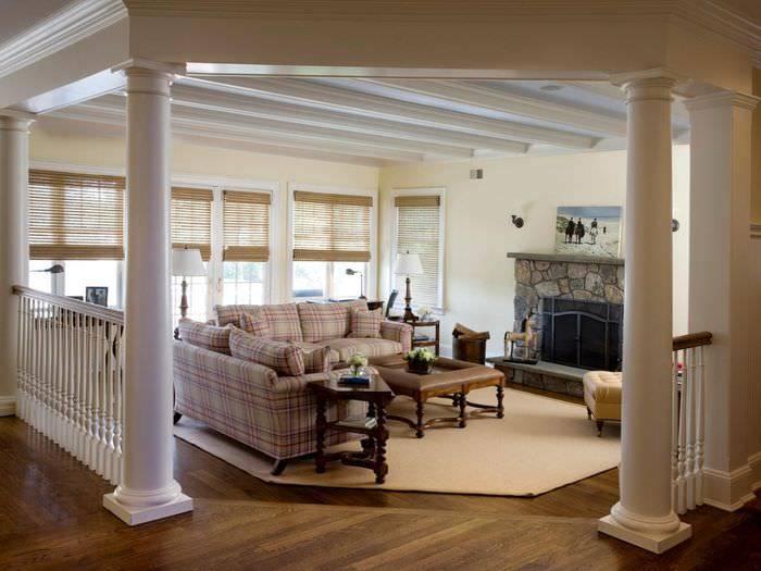 Колонны в интерьере гостиной, зала: дизайн в доме, гипсовые фальш-колонны - 39 фото