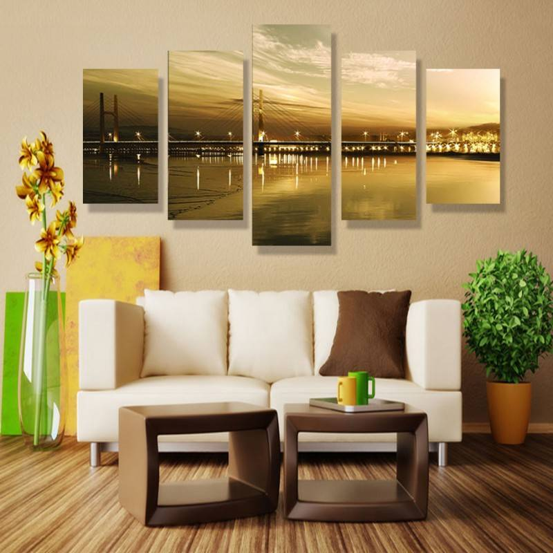 Как правильно украсить стену картинами в зависимости от их количества, размера и формы - 15 фото