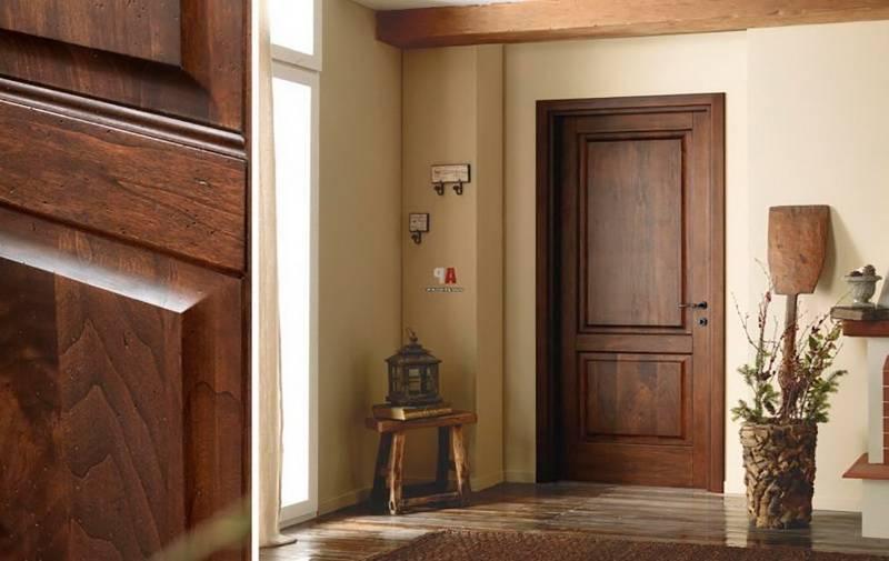 Как и чем отделать откосы входной двери?