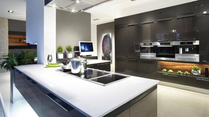 Кухня в стиле хай тек и техно в интерьере квартиры : фото кухонного гарнитура, потолка и стола в кухне гостинойкухня — вкус комфорта