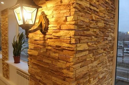 Гипсовая плитка под кирпич (60 фото): белые декоративные материалы для внутренней отделки, примеры декора в интерьере
