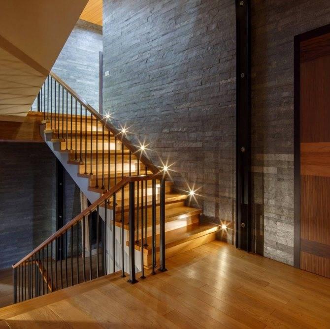 Перила для лестниц в частном доме, ограждение для лестницы из металла и дерева, виды перил
