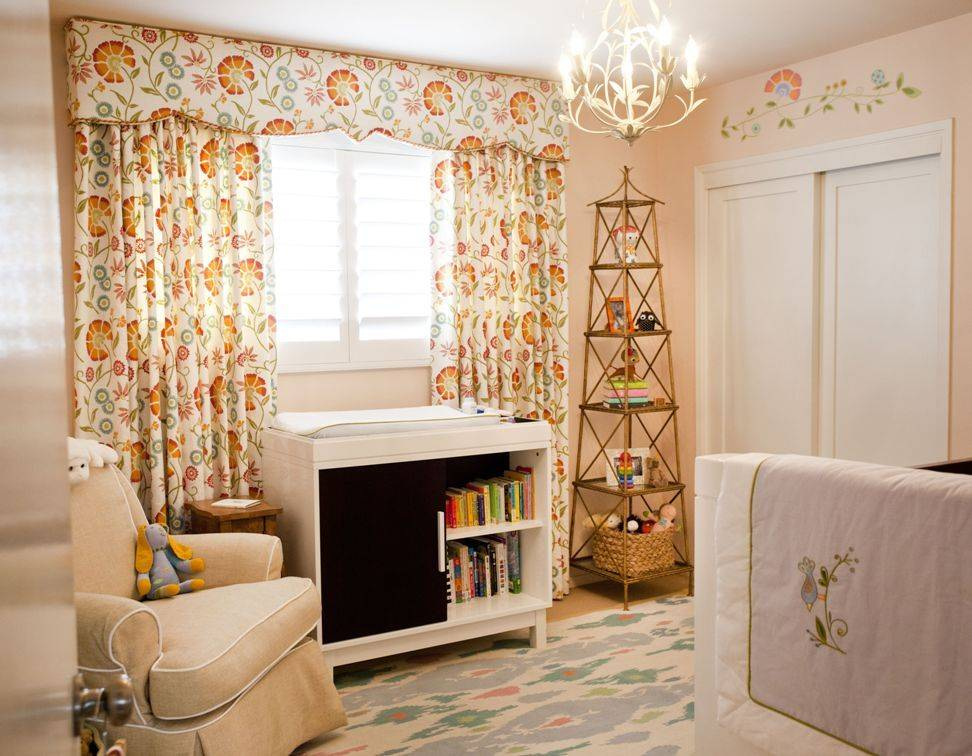 Угол комнаты: как оформить, задекорировать и что поставить - 36 фото