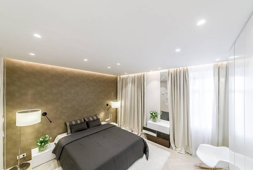 Двухуровневый потолок натяжной с подсветкой в зал - 35 фото