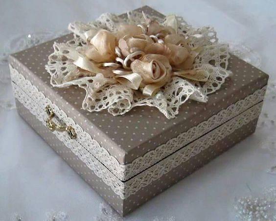 Что можно сделать из коробки своими руками: фото оригинальных идей с пошаговыми инструкциями