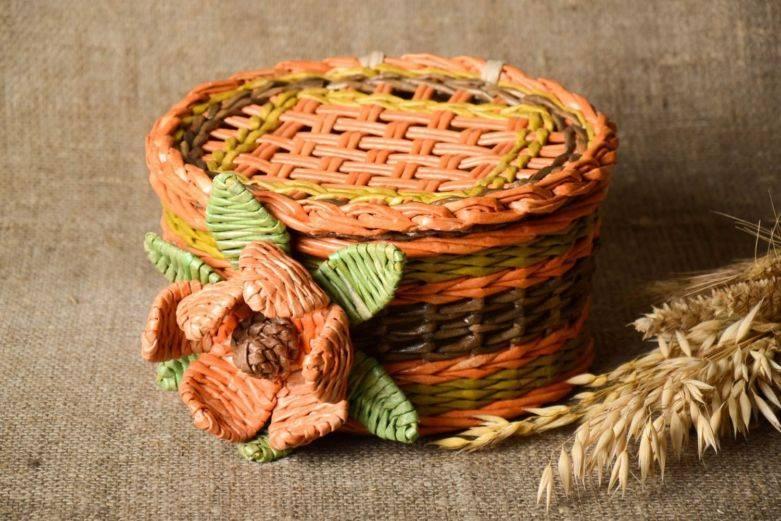 Плетение из газетных трубочек для начинающих - 120 фото лучших идей + инструкция