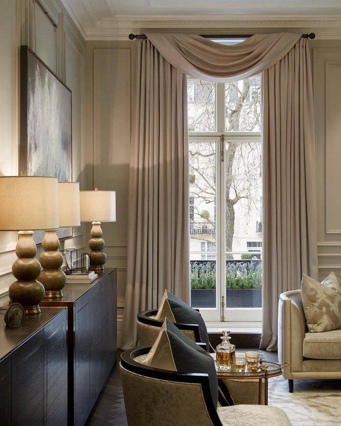 Как оформить окна в гостиной: краткий обзор штор в разных стилях