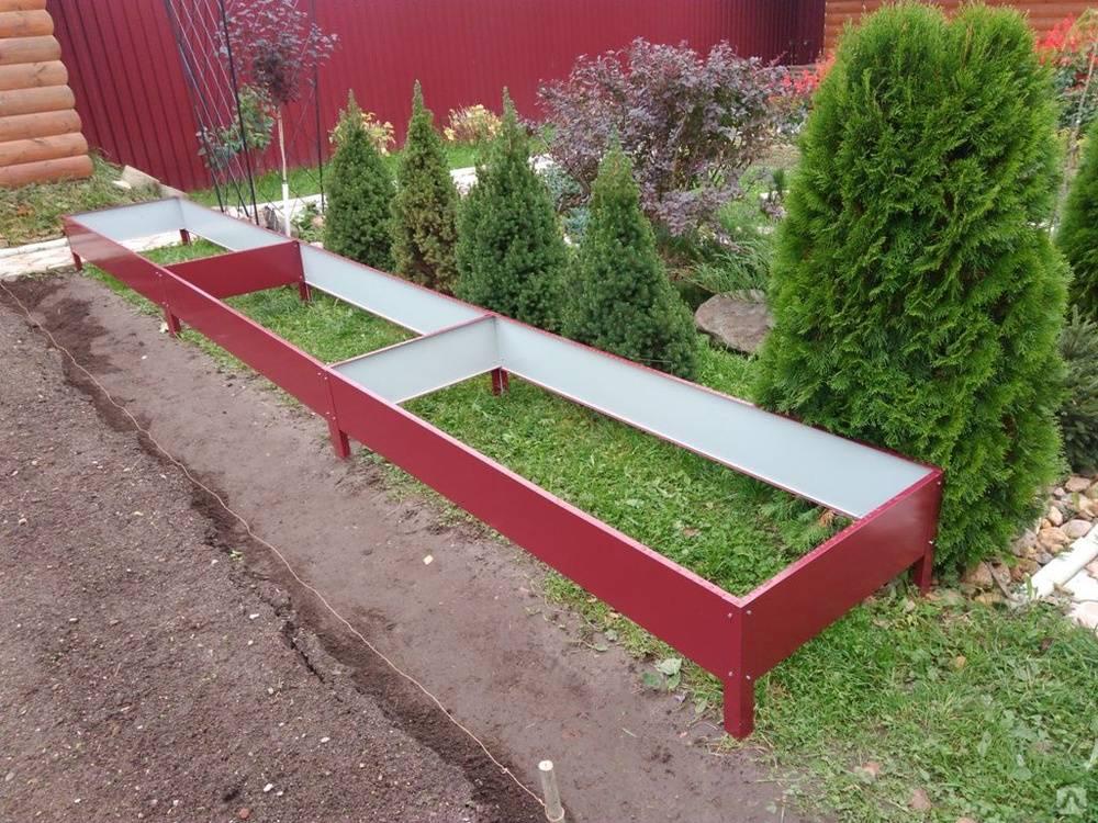 Различные ограждения для садовых грядок из пластика или металла