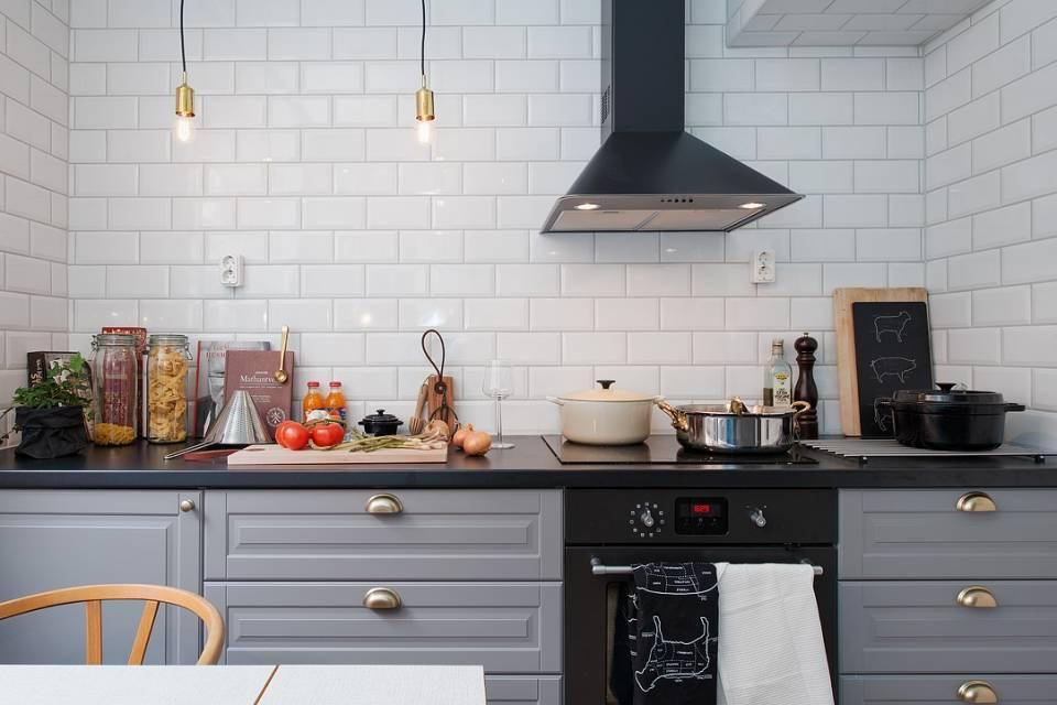 Фартук кирпичиками на кухне: плитка - 23 фото