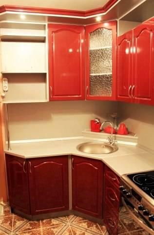 Угловые кухни — лучшие примеры использования кухонных углов и реальные варианты расположения гарнитуров (130 фото)