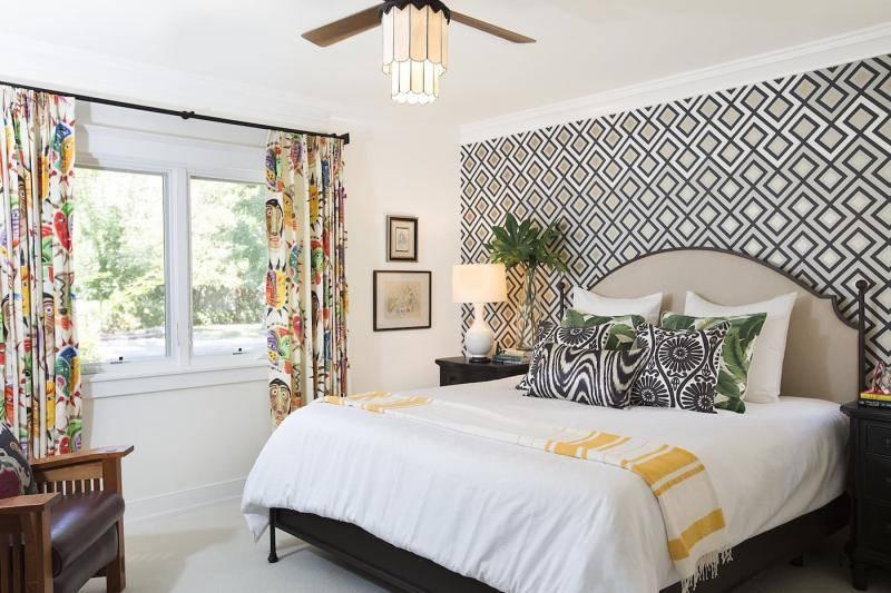 Обои в интерьере спальни: 200 фото реальных примеров новинок дизайна, варианты комбинирования обоев и сочетания цветов