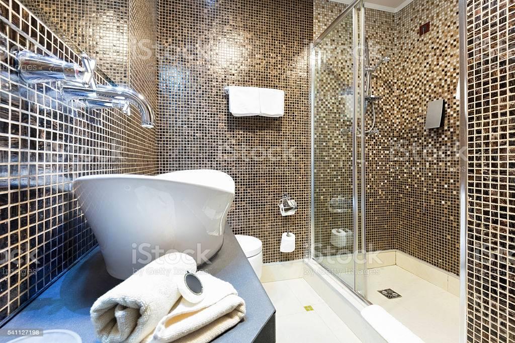 Мозаика в ванной комнате: дизайн +75 фото в интерьере
