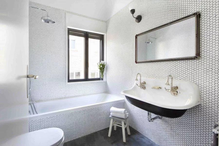 Модные стены в ванной комнате: как их отделать? (40 фото)