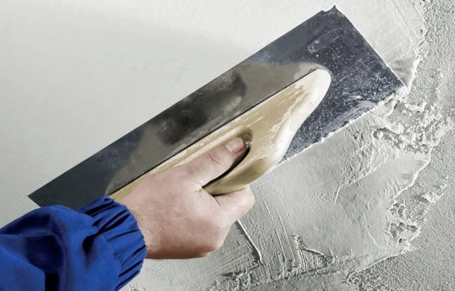 Подготовка поверхности к шпаклевке и видео правильной техники шпаклевания стен своими руками