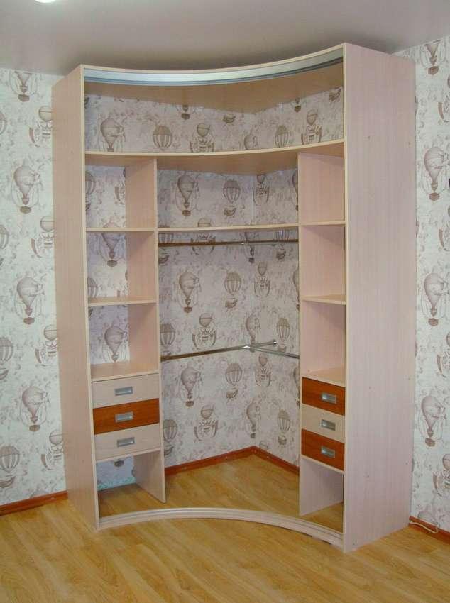 Наполнение угловых шкафов (22 фото): внутренний дизайн с ящиками внутри, размеры