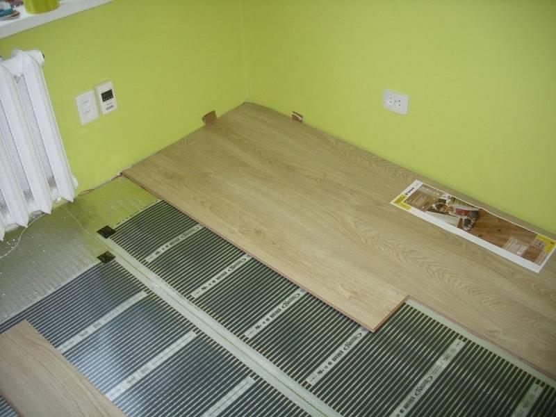 Какой теплый пол выбрать под ламинат на деревянное основание – полезные советы по выбору системы и монтажу