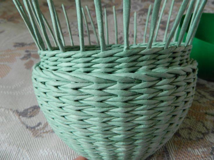 Плетение из газетных трубочек: схемы плетения и мастер-класс по созданию стильных вещей (90 фото)