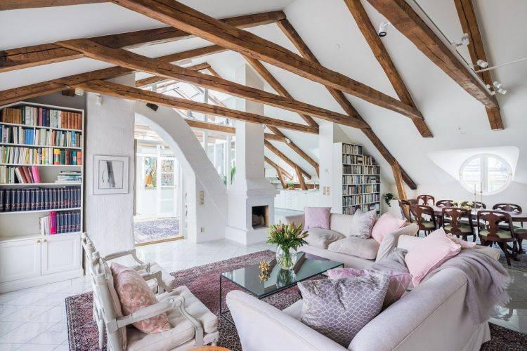 Дом с мансардой: плюсы и минусы, основы проектирования, мансардные лестницы и крыши, примеры отделки