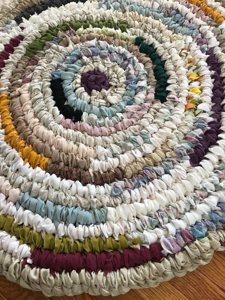 Коврики из старых вещей: вязание и плетение своими руками :: syl.ru