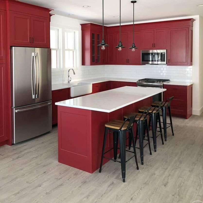 Оранжевая кухня: сочетание цвета с другими в интерьере - черным, белым, серым,   - 59 фото