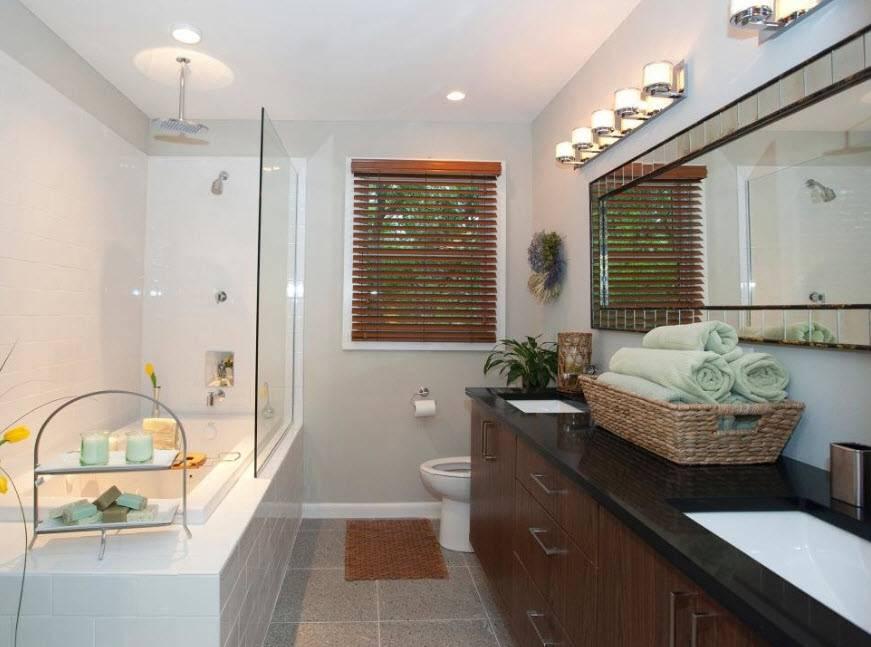 Дизайн узкой ванной комнаты: особенности обустройства и выбор сантехники - 31 фото