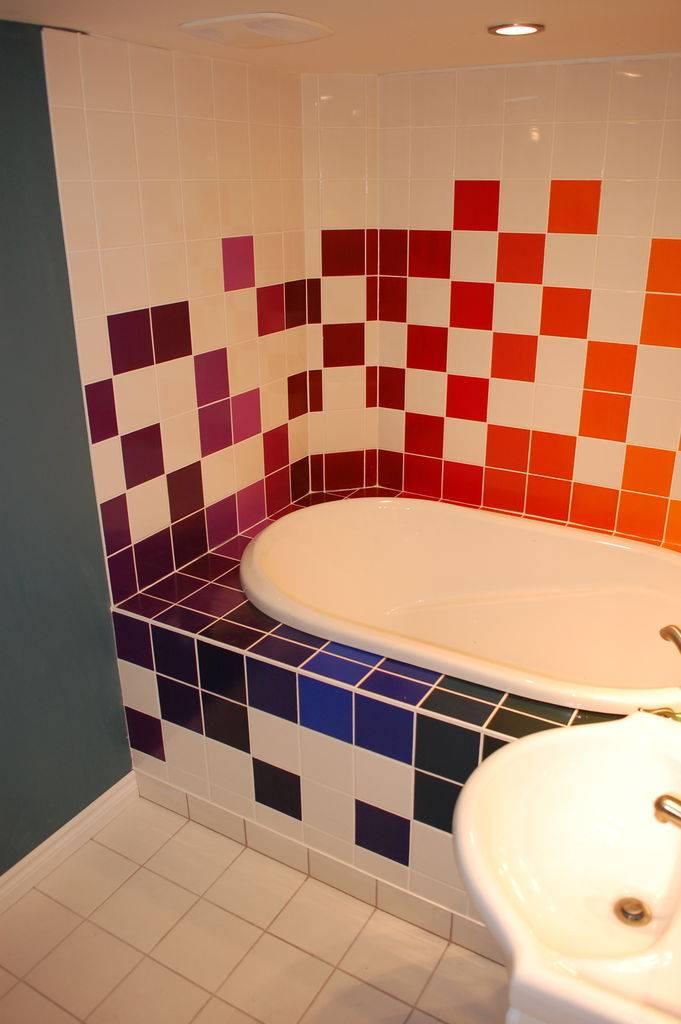 Старая плитка в ванной, как обновить и вдохнуть новую жизнь? стильные идеи дизайна и украшения (120 фото)