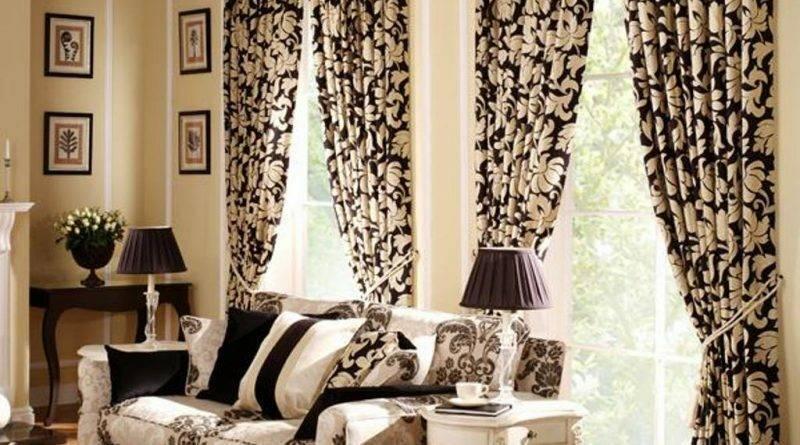 Базовые принципы и тонкости подбора штор к обоям в жилых помещениях