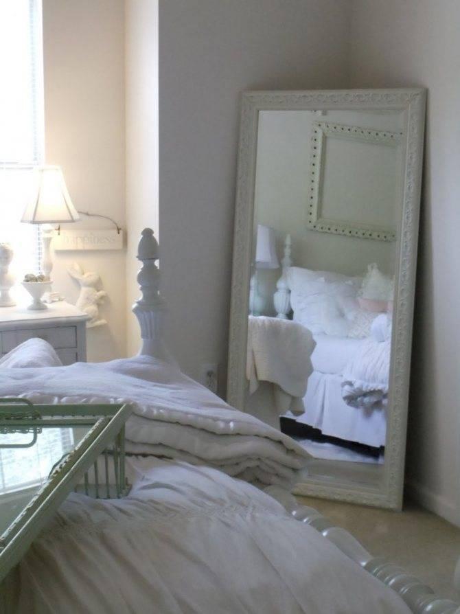 Зеркало в спальне, как выбрать и где повесить, требования и приметы