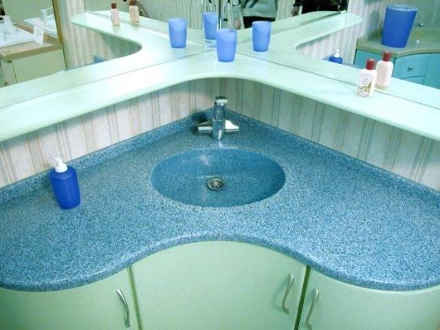 Кухонная столешница из искусственного камня: плюсы и минусы материала. возможная стоимость искусственного камня. фото и видео-обзоры столешниц от дизайнеров