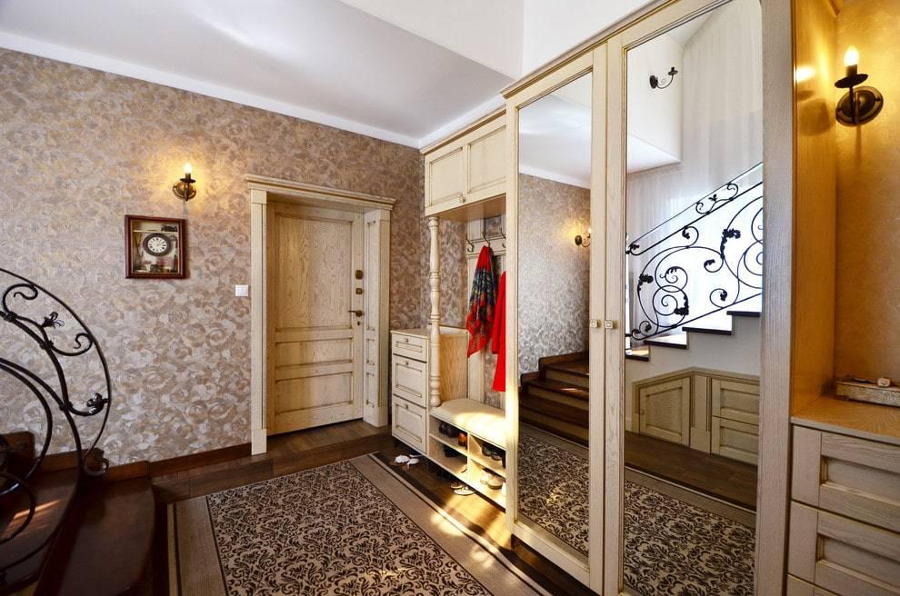 Дизайн прихожей в частном доме (95 фото): оформление интерьера большого и небольшого коридора с окном и без в деревенском и дачном доме. красивые варианты планировки