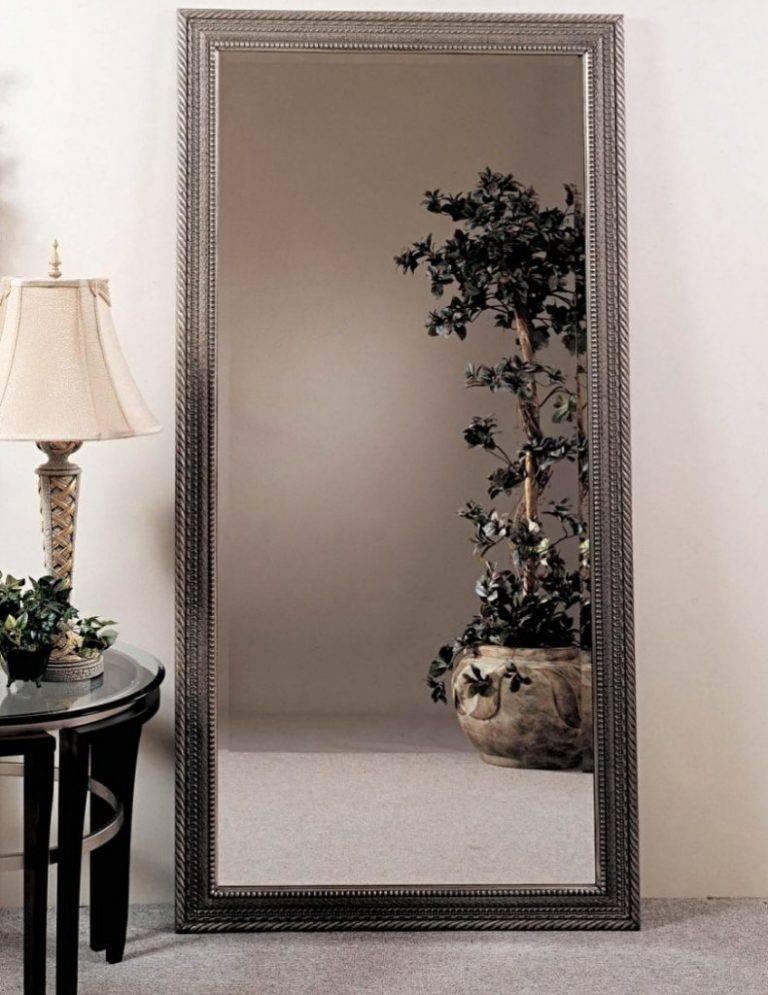 Зеркальное панно на стену в интерьере прихожей - 18 фото