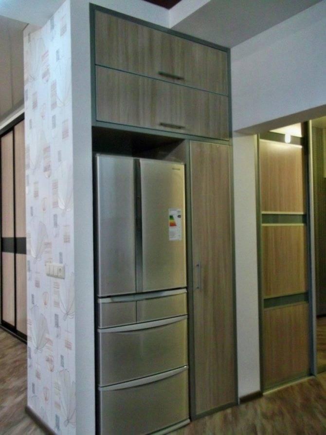 Холодильник в прихожей: плюсы и минусы, варианты расположения, примеры. фокстрот-холодильники (55 фото): дизайн в интерьере кухни или куда поставить в коридоре где можно установить холодильник на мале