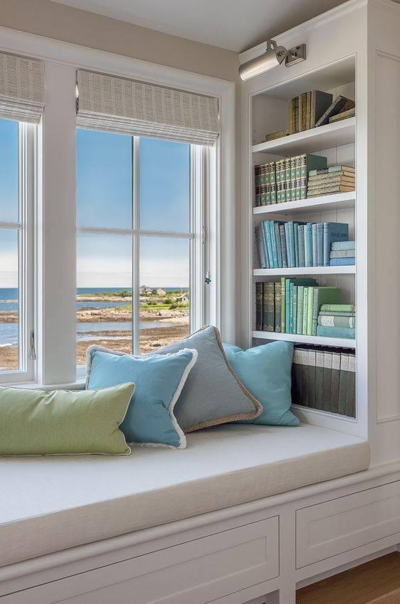 Подушки на подоконник: подушки-матрасы для широких подоконников в интерьере, большие подоконники с красивыми подушками