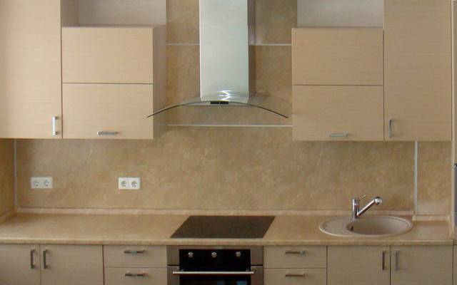 Стеновые панели для фартука на кухне: характеристика, виды и дизайн