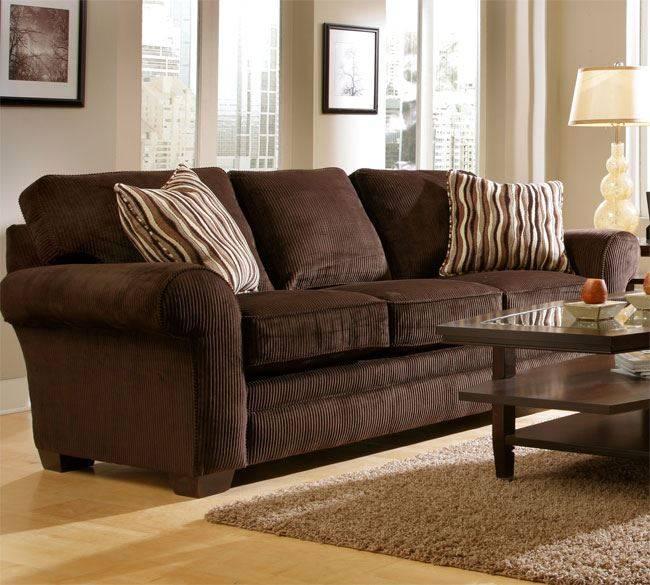 Бежевый диван в интерьере: особенности сочетания цветов