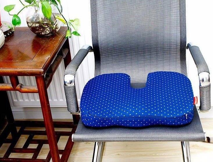 Выбираем ортопедическую подушку для сидения на стуле