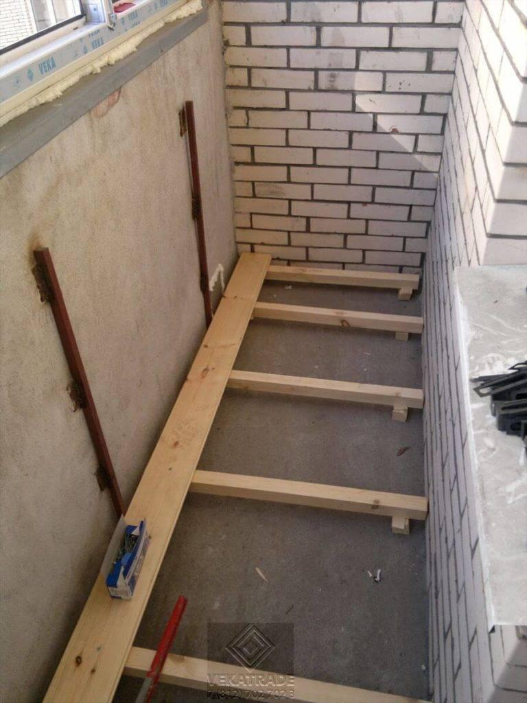 Потолок на балконе: из чего сделать потолок на балконе: из чего сделать |