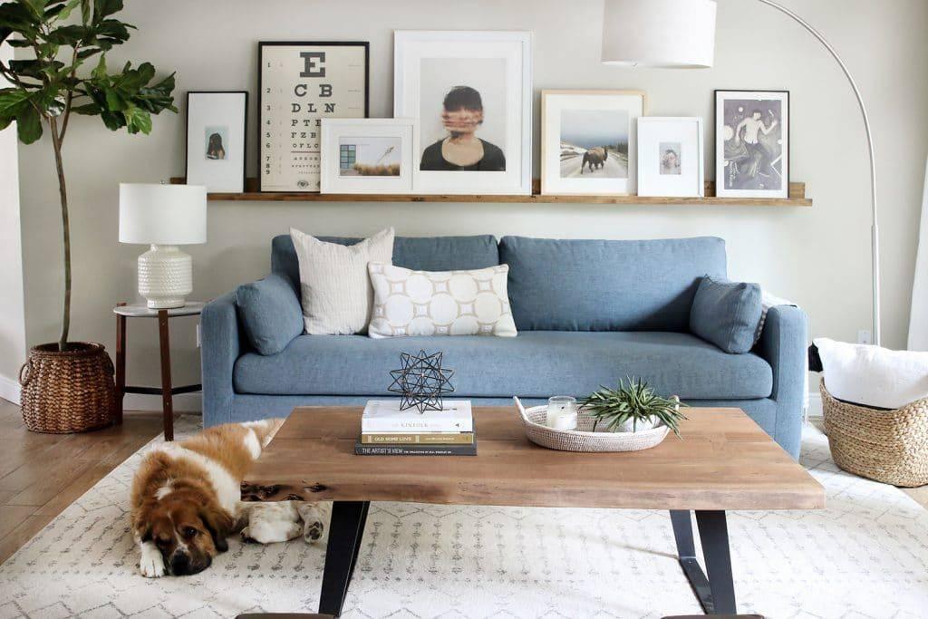 Как оформить стену в гостиной над диваном? 49 фото как и чем украсить стену в зале? идеи дизайна акцентной стены над диваном