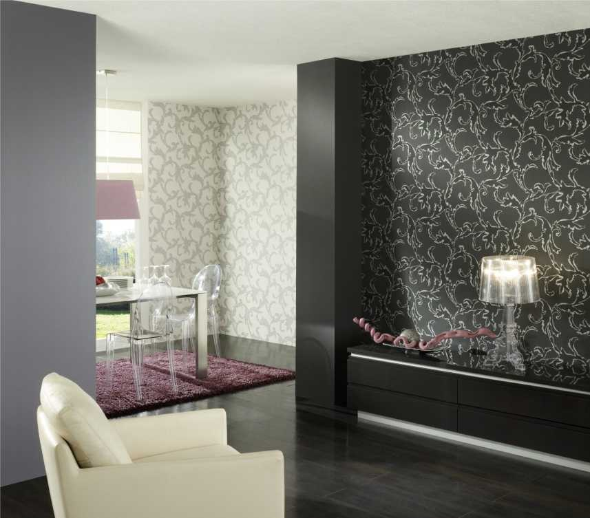 Светлые обои (50 фото): крупный рисунок и узоры на стенах в комнату, сочетания обоев-компаньонов с мебелью, полом и дверями в интерьере