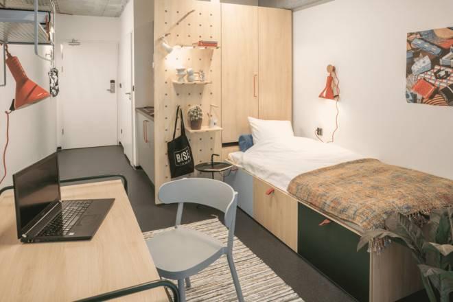 Дизайн комнаты в общежитии: оформление маленького помещения, расстановка мебели своими руками