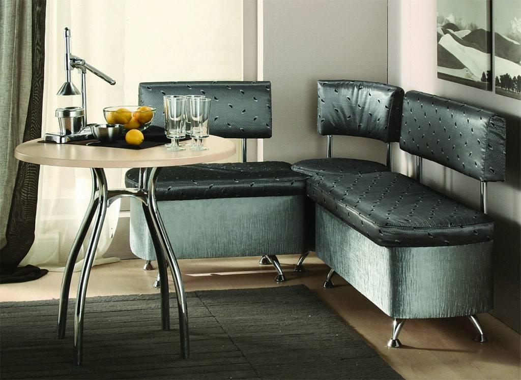 Дизайн кухни с диваном: особенности и полезные советы
