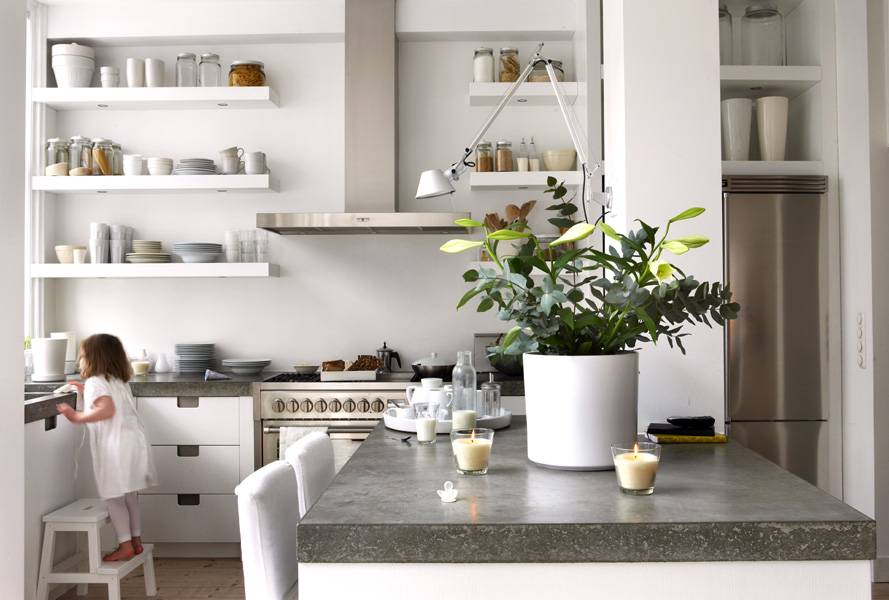 Достоинства и недостатки открытых полок на кухне: практично ли (+ отзывы и фото)