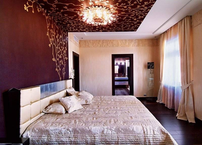 Обои на потолок (70 фото): дизайн потолочных изделий в интерьере и современные варианты оклееных потолков с рисунком «звездное небо», какие обои выбрать