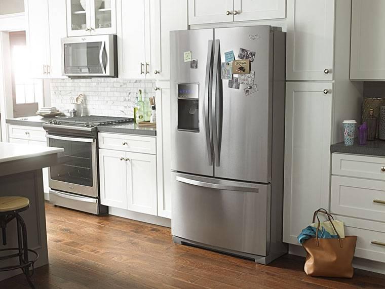 Как правильно разместить холодильник в интерьере кухни