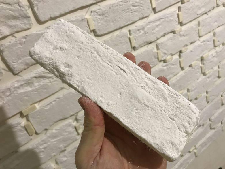 Как и чем покрасить декоративный камень