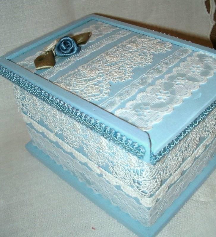Декупаж картонной коробки (или из-под обуви) салфетками и тканью своими руками