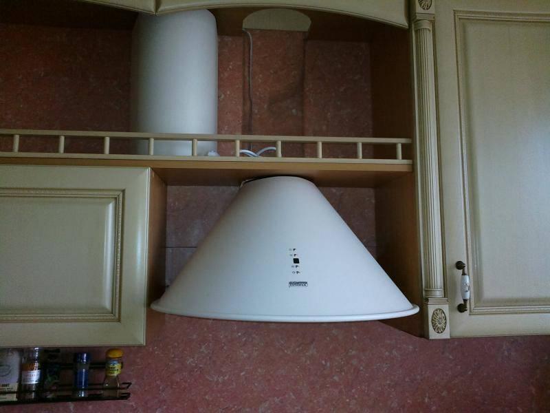 Оформление кухонной вытяжки в дизайне интерьера кухни